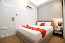 RedDoorz Comfy Room Next to Saigon Train Station