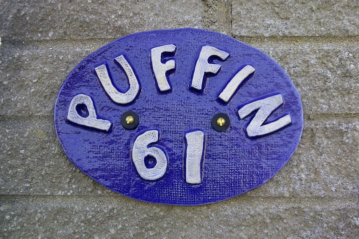 'Puffin' - 2 Bedroom Holiday Home Close to a Beach - Holiday Village - Almhütte