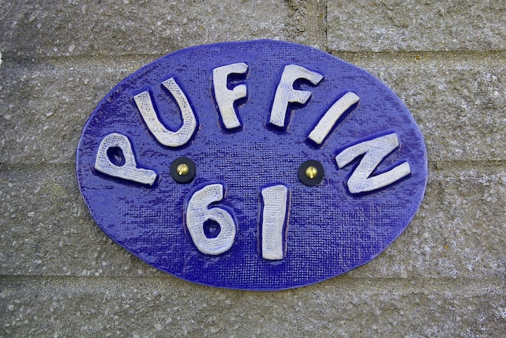 'Puffin' - 2 Bedroom Holiday Home Close to a Beach
