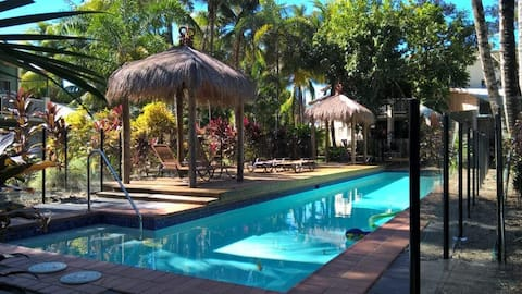 Tropical Breeze at Trinity Beach - Great Location!