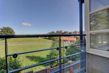 Whitby - modern one bed apartment - secure parking