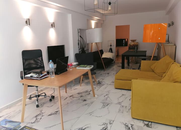 work and stay at Kolonaki - meetings and leisure