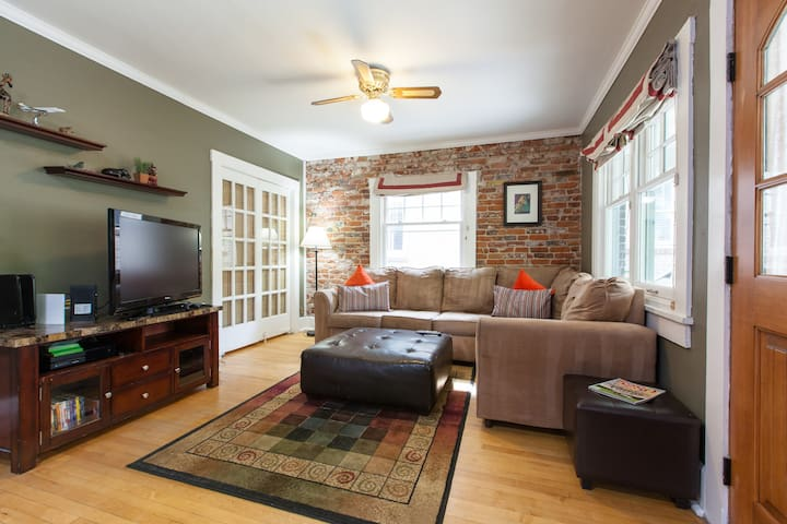 Denver Bungalow with Hot Tub Near Downtown