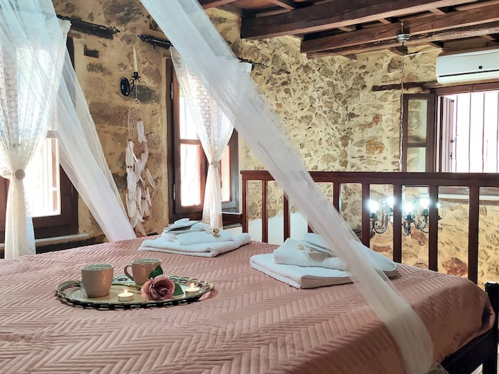 Filia's Traditional House, old town in Heraklion