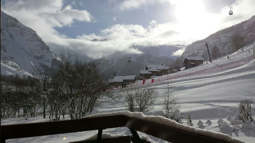 Very nice flat, a ski-in-ski-out place ! - Val-d'Isère - Appartamento