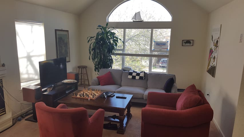 Well lit apt. in a great location - Boulder - Apartment