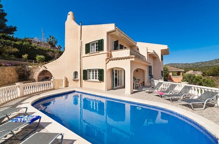 Villa Palmanova, your best place for group travel