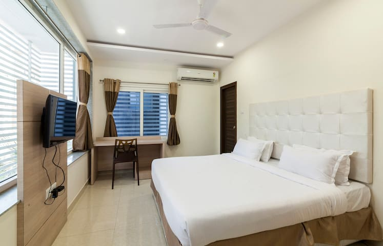Deluxe Room - Hyderabad - Apartment