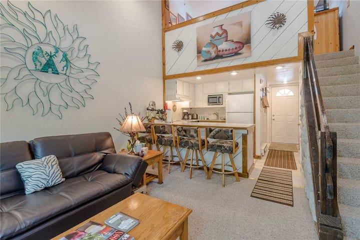 New Listing! Warm Springs Condo for 3 - Just Blocks From Bald Mt. Lifts  | 1 Bedroom, 1 Bathroom