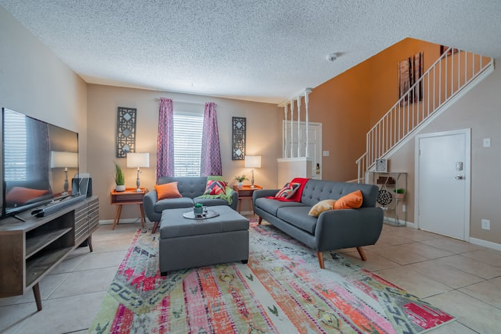 4 Beds Lackland AFB, Six Flags, Seaworld, Med Ctr