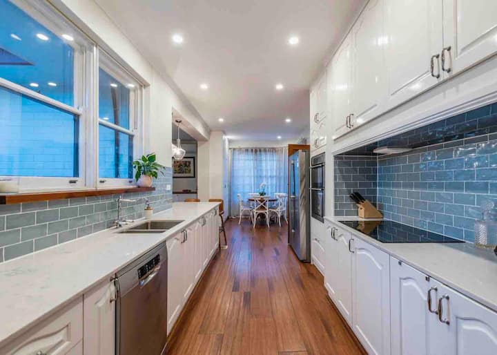 6 BR Character home Griffith/Manuka