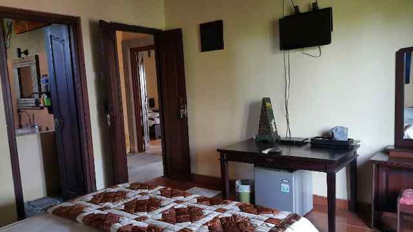 GEKKO B&B 2nd Floor Room w/ GAZEBO 1