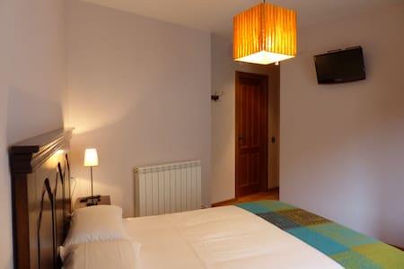 Apartamento dúplex en el Pirineo - Viñal