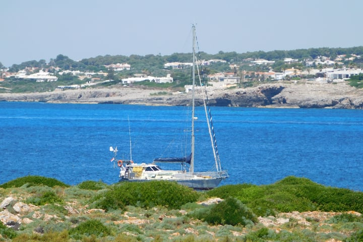 San Juan holidays on sailboat in Menorca