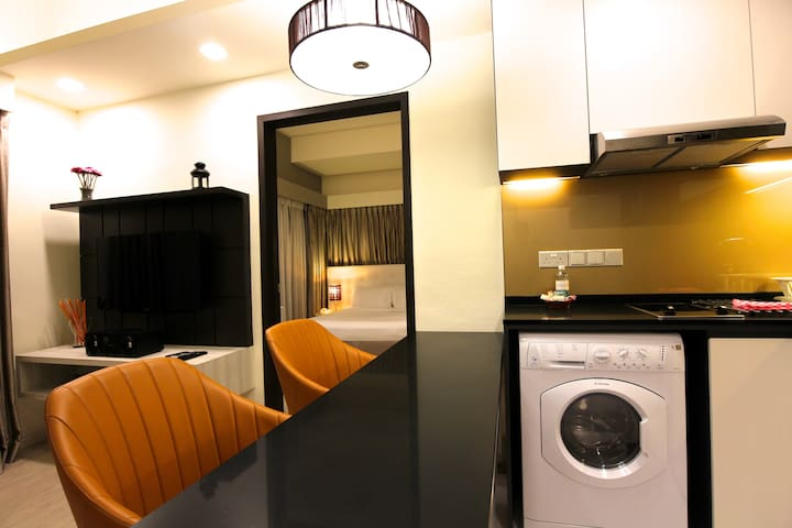 Cozy 1BR Grand Premier apartment at Orchard Road