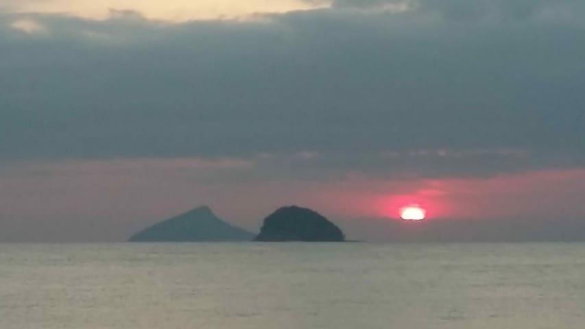 O pôr do Sol mais bonito do Litoral Norte de S.P.!