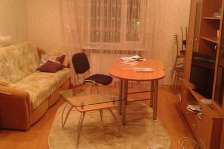 Сдам посуточно комнату в центре МУР - Мурманск