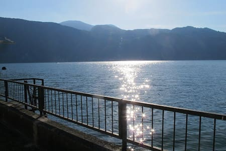 Villa on the Lake of Como, direct access to water - Mandello del Lario