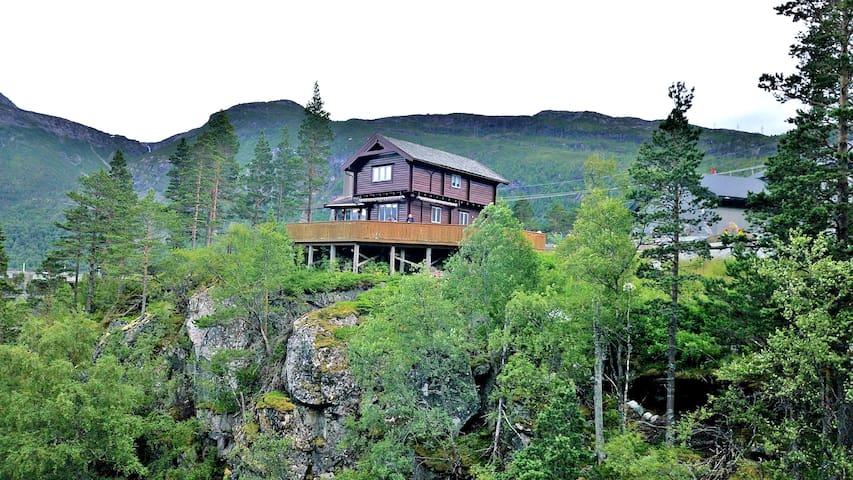 Villa trolltunga, in Skjeggedal. free parking!!!!!