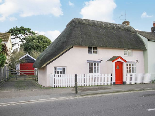 The Old Thatch (W44052)