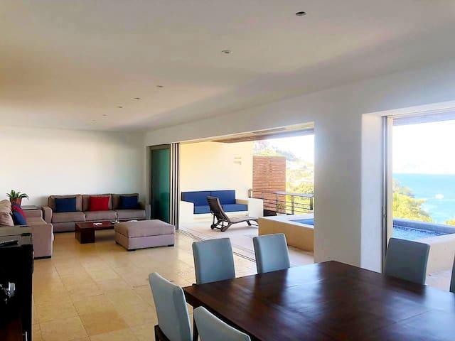 Villa con vista a la bahía y alberca privada