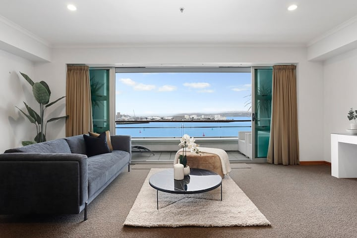 Stunning waterfront location on Princes Wharf 2224