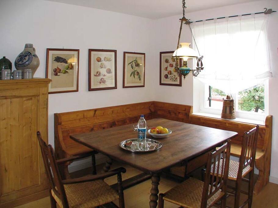 Essbereich Wohnküche / kitchen seating area