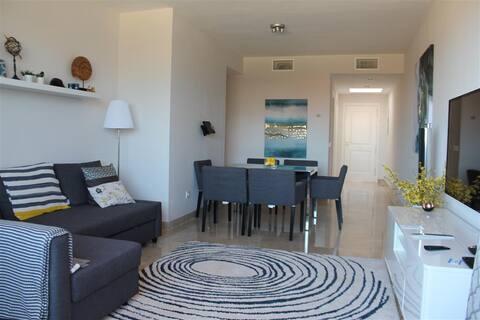 Luxury 2 Bed Duquesa Penthouse Apt