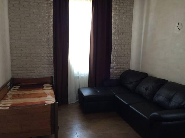 Дружная семья примет в гостяхпутешественников - Novosibirsk - Casa