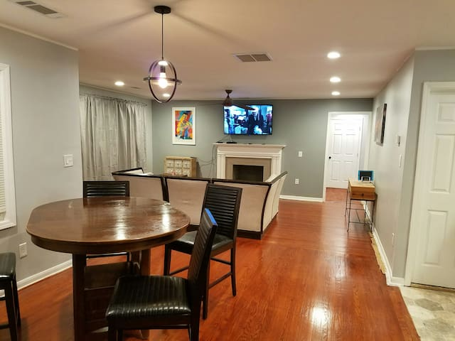 ATL Dream House  << Remodeled in 2018 >>