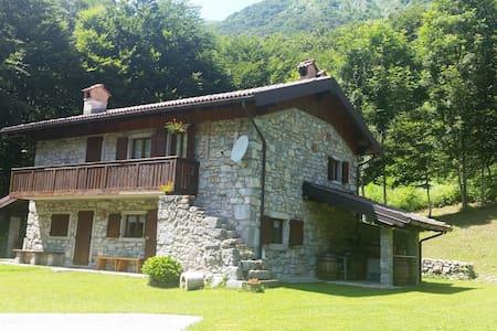 Rustic cabin in Sella Chianzutan - Verzegnis