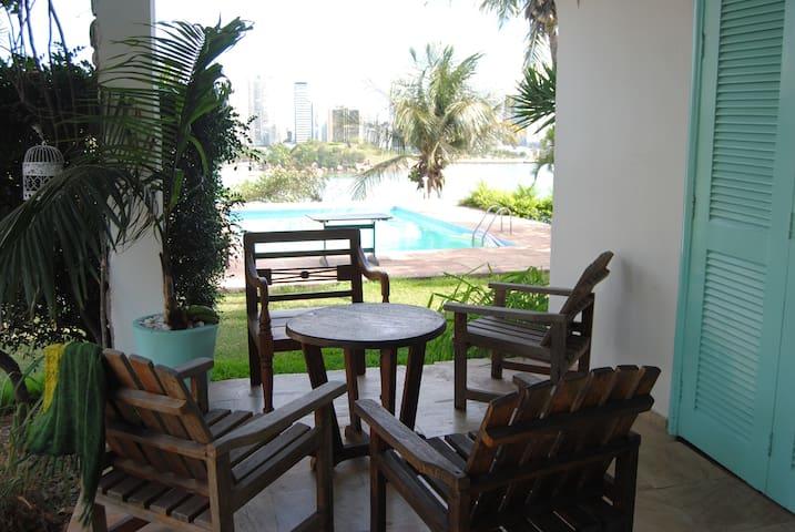 Suite, piscina perto do Nook beach club, Prainha. - Vila Velha