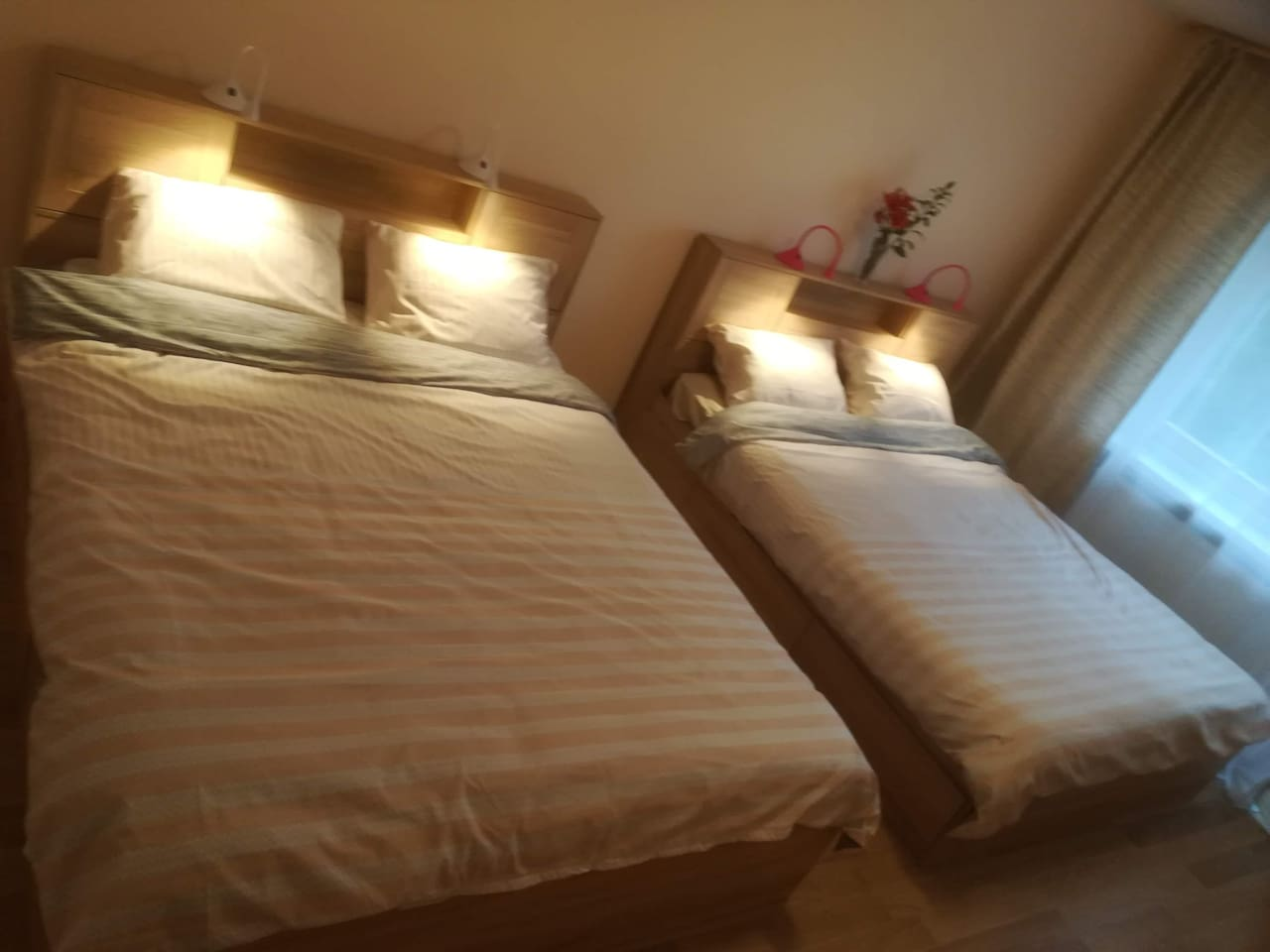 2 king bed  room