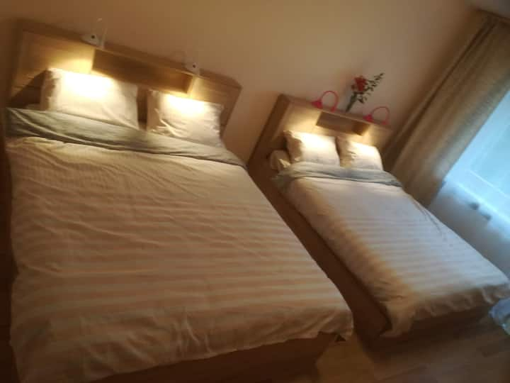 2 double-bed room with balcony