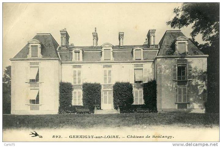 Le Chateau de Soulangy en 1900