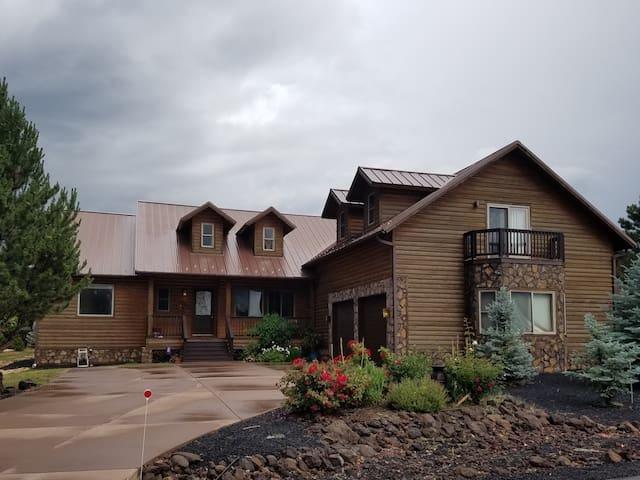 Luxury cabin in Pinetop-Lakeside at Rainbow Lake