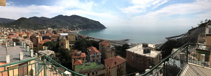 THE BEST VIEW IN LEVANTO 011017-LT-0090