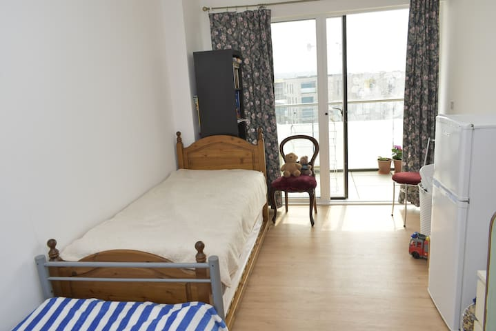 Double bedroom in Greenwich by the river