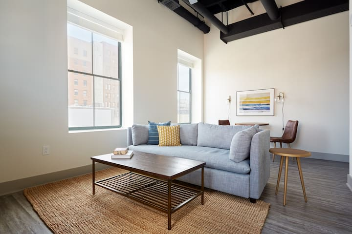Sonder | The Altmayer | Restful 1BR + Sleeper sofa