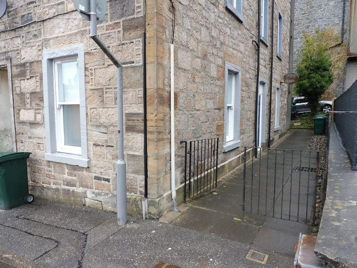 Ground floor flat, Oban town centre