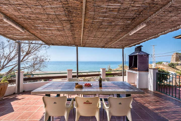 Casa del Pipa Home On the Beach with Magnificent Sea View, Terrace, Balcony & Wi-Fi