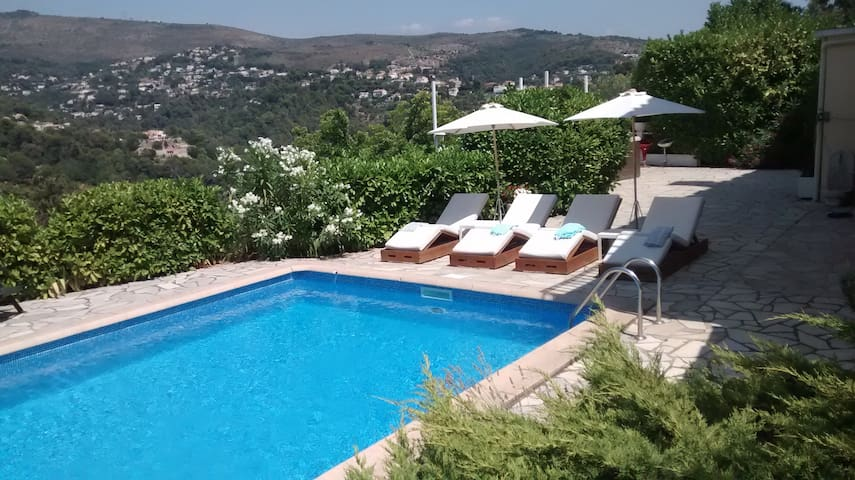 House with swimming pool and jacuzz - Niza - Apartamento