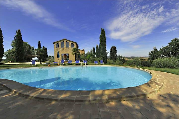 Quarantallina - Paint, sleeps 3 guests - Buonconvento