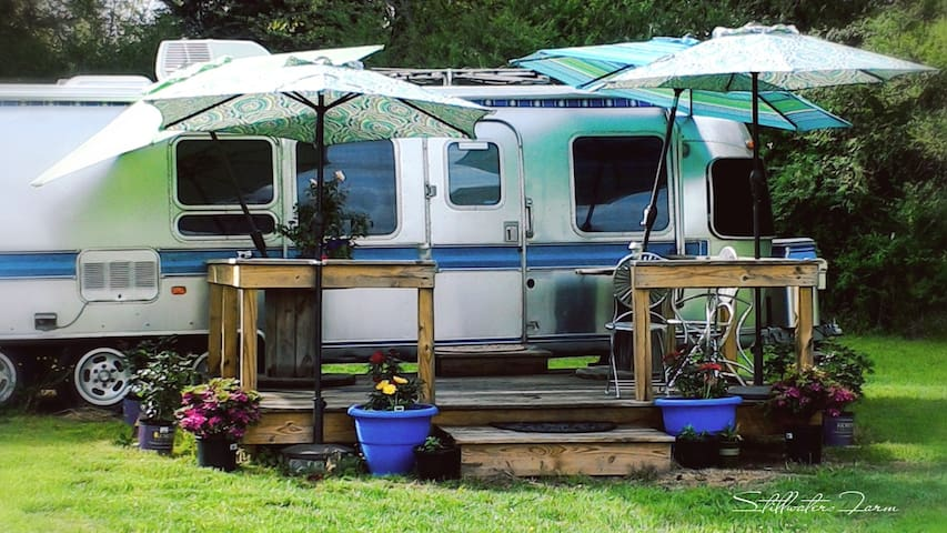 The Airstream Glamper at Stillwaters Farm