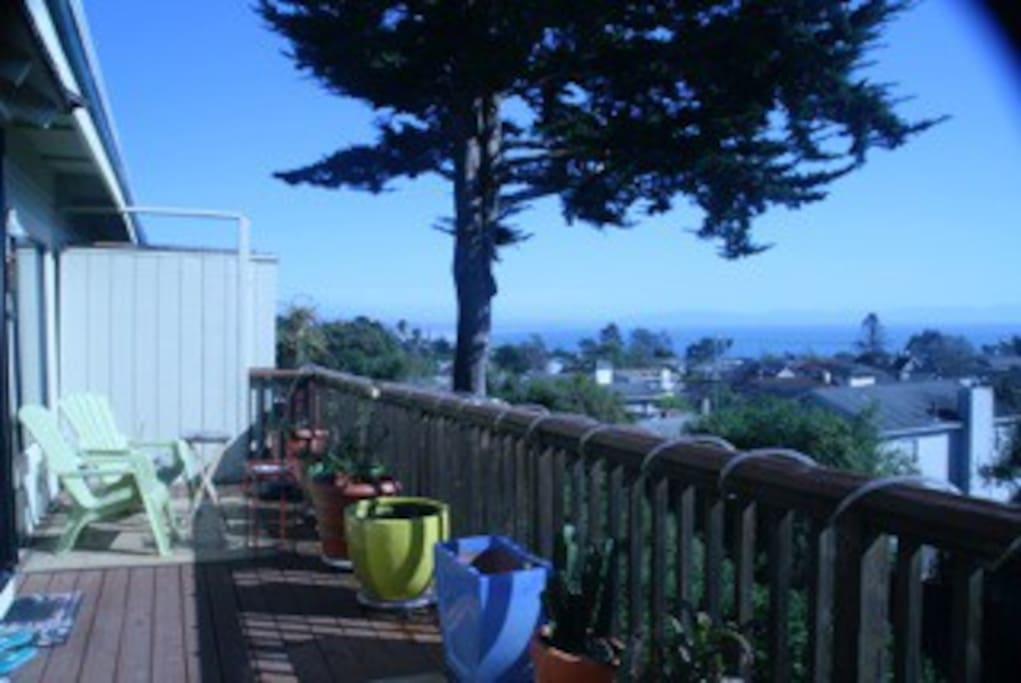 Fantastic view from Monterey to Capitola! The water is closer than it looks in this photo! Gas BBQ on deck and retractable awning for shade.