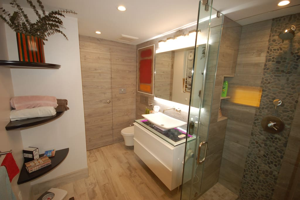 Private bath attached to the queen bedroom