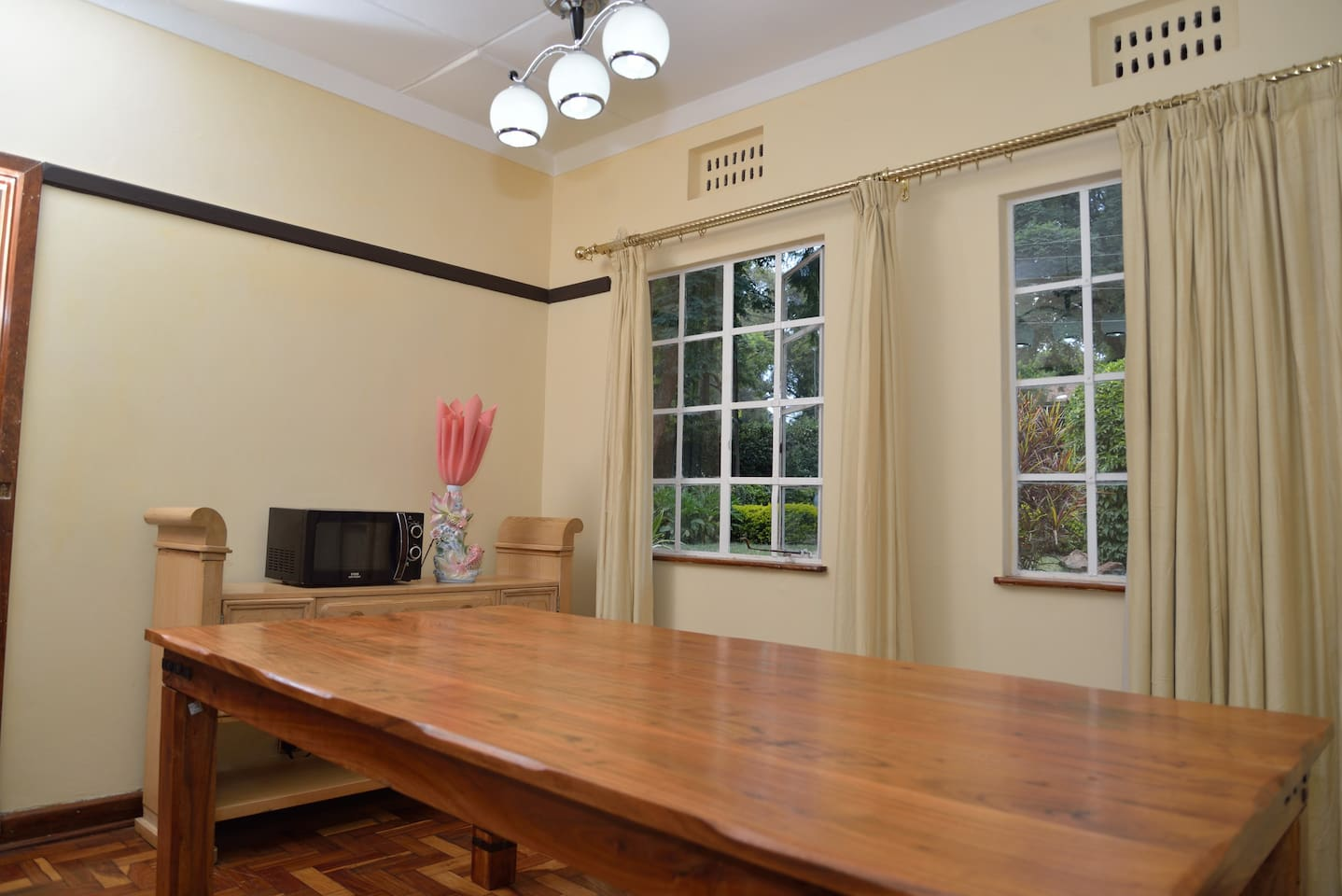 Dining room can be used computer worktable