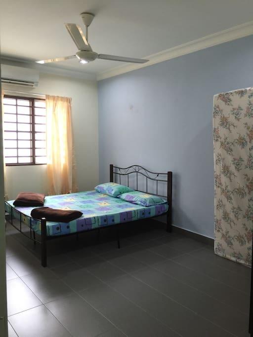 Room 5 4 pax