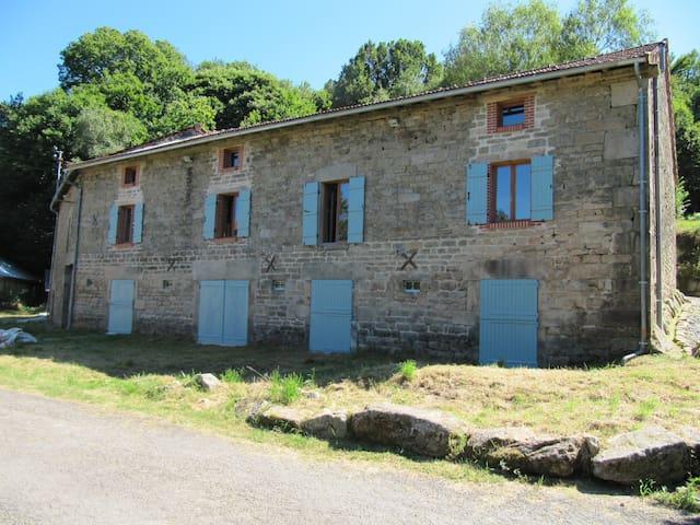 Le Grange, Near St Pardoux Morterolles