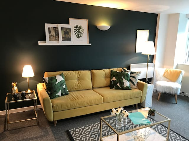 **Stylish ** One Bed/Studio City Centre Apartment
